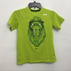 Green Nike T-shirt boys